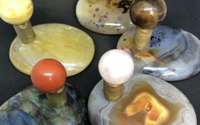 "Pallet pebble of semi-precious stones, signature massage ""CRYSTAL TOUCH"""